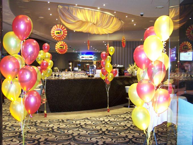 Balóny a dekorácie vo farbách Španielska rozprúdia náladu pozvaných