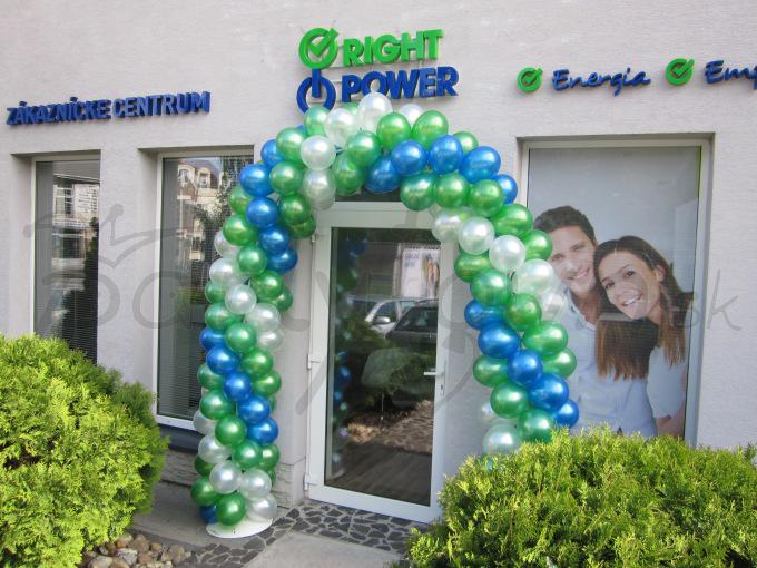 Privítajte svojich zákazníkov balónovou bránou vo firemných farbách