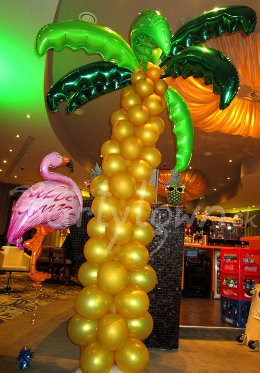 Balónová výzdoba havajskej párty v tropickom prevedení