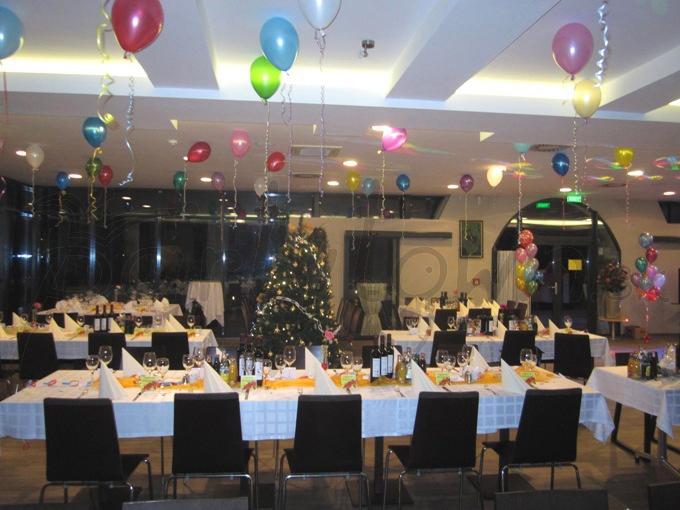 Nielen silvestrovský večer chutí pod stropom z balónov vždy o trošku viac
