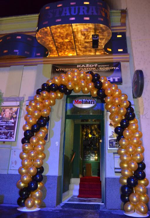 Balónová brána v štýle hollywoodskeho glamour
