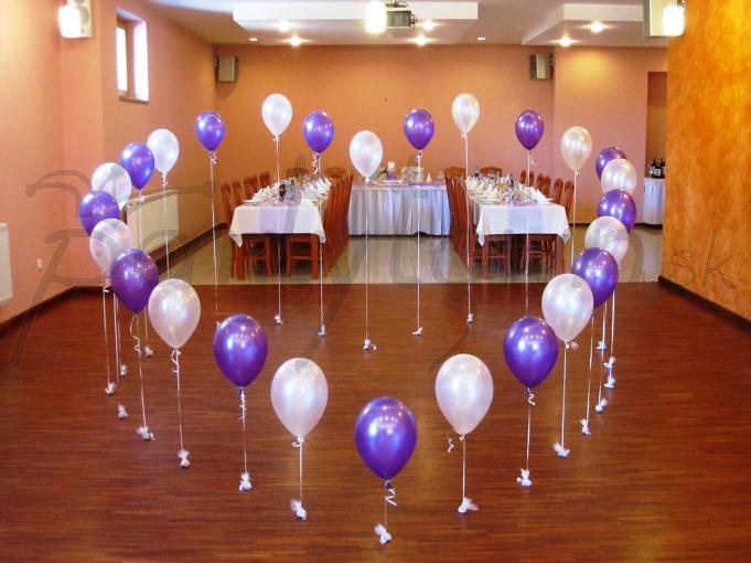 Balónové srdce pre prvý tanec novomanželov