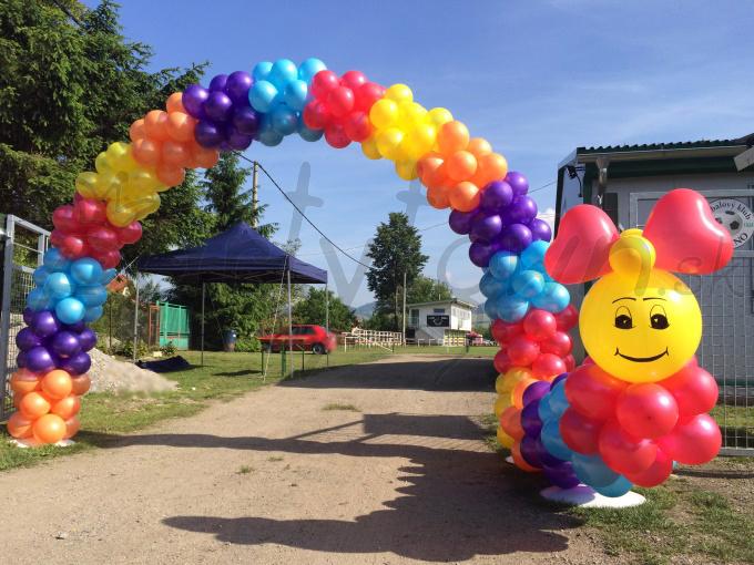 Veselý a farebný príchod zábavy v